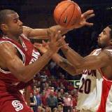 Stanford's Rob Little and Arizona's Salim Stoudamire - courtesy sports.yahoo.com